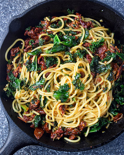 Kale and Sundried Tomato Spaghetti